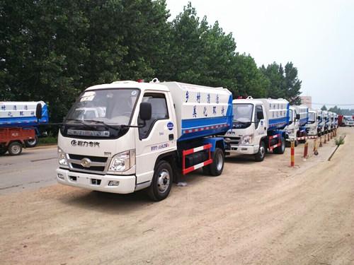 湖北程力批量下线出厂一批福田挂桶式垃圾车
