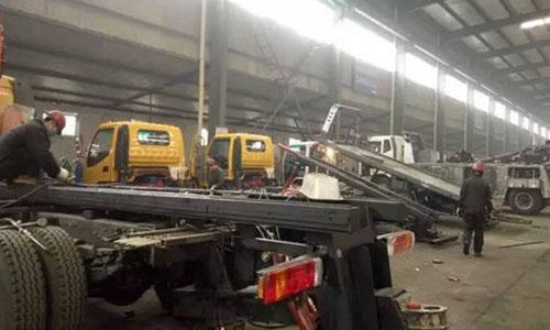 程力清障车专业厂12月份产销量破纪录