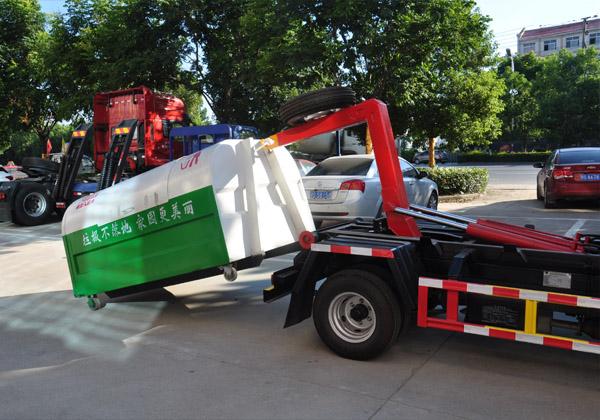 国五凯马车厢可卸式垃圾车多方位图片二