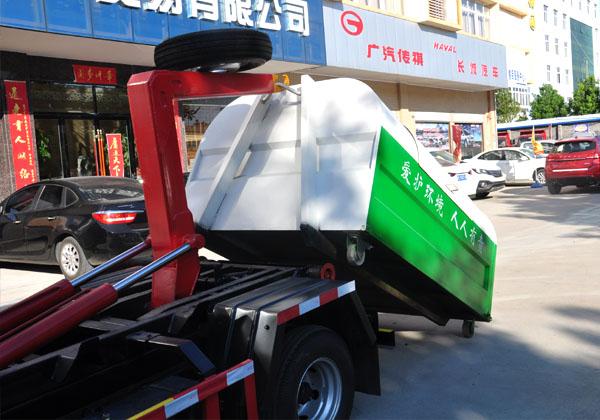 国五凯马车厢可卸式垃圾车多方位图片三