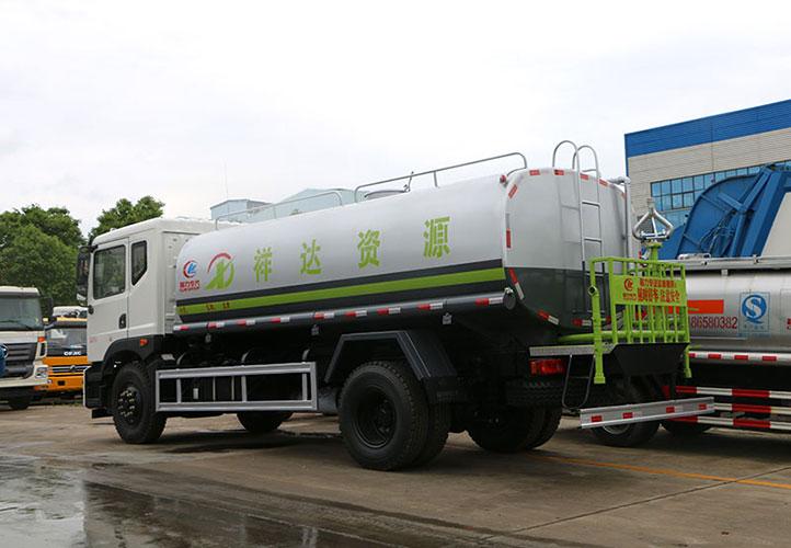 东风T5(12-15吨)洒水车多方位图片四