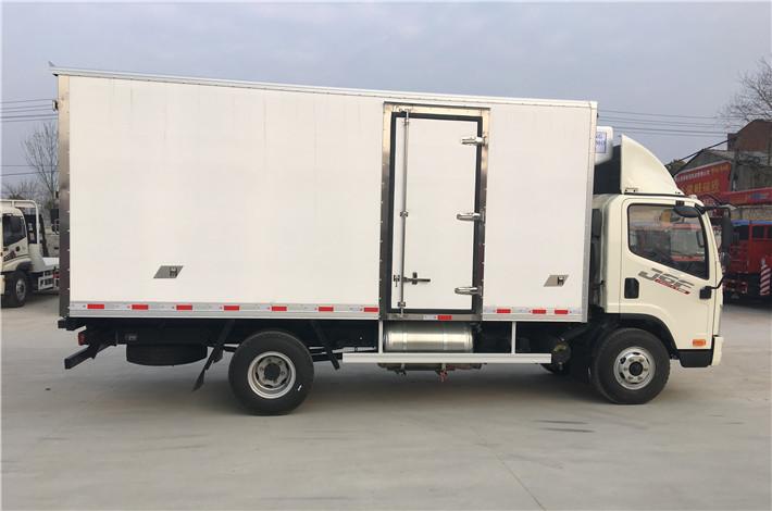 解放虎VH 5.2米冷藏车多方位图片三
