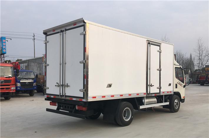 解放虎VH 5.2米冷藏车多方位图片五