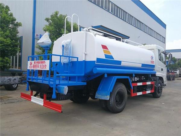 东风专底洒水车(12-15吨)多方位图片五