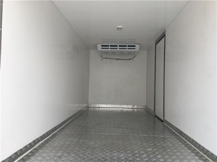 庆铃100 4.2米冷藏车多方位图片四