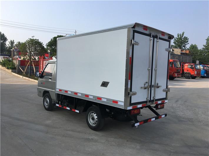 福田驭菱冷藏车2.6米多方位图片二
