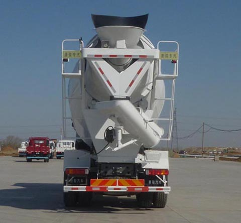 期太尔混凝土搅拌运输车多方位图片二
