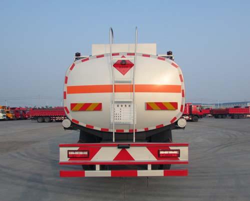 东风小三轴运油车21.5立方多方位图片三
