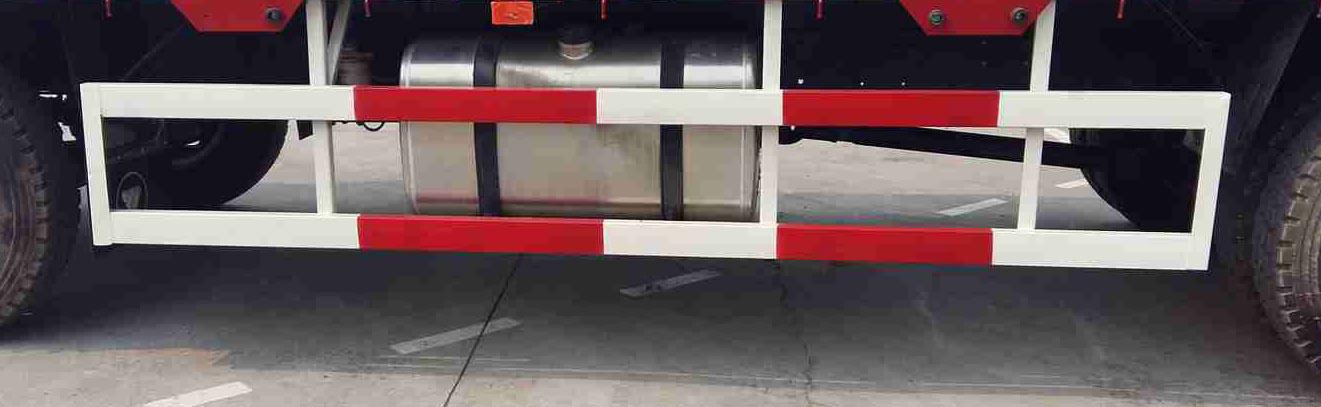 国五欧曼小三轴散装饲料运输车多方位图片二