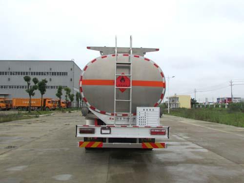 东风天龙铝合金运油车30.3立方多方位图片三