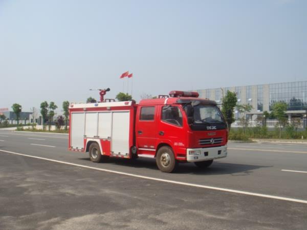 东风多利卡水罐消防车