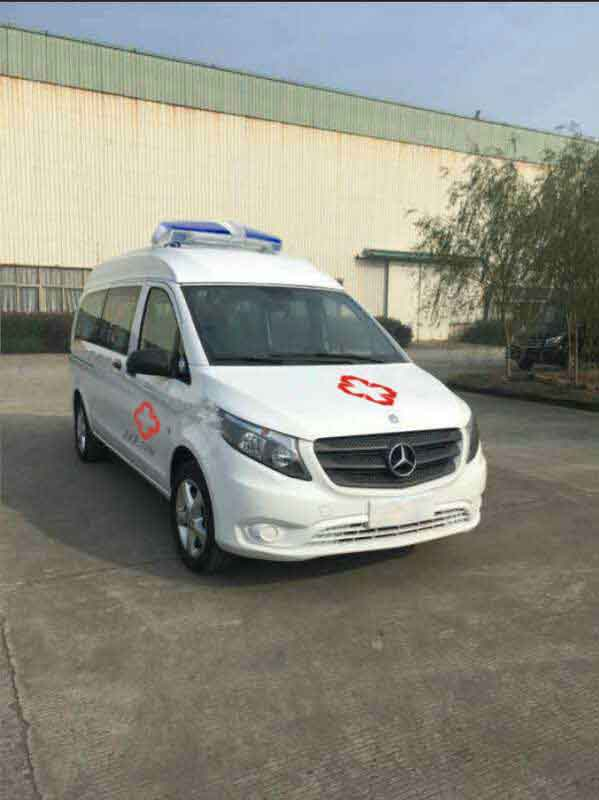 程力威牌CLW5031XJH5型救护车多方位图片一