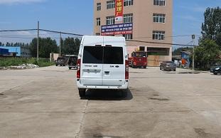 程力威牌CLW5040XJHJ5型救护车多方位图片五