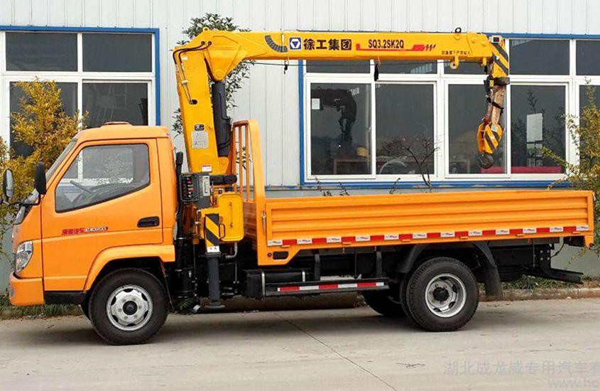 唐骏3.2吨小型随车吊多方位图片二
