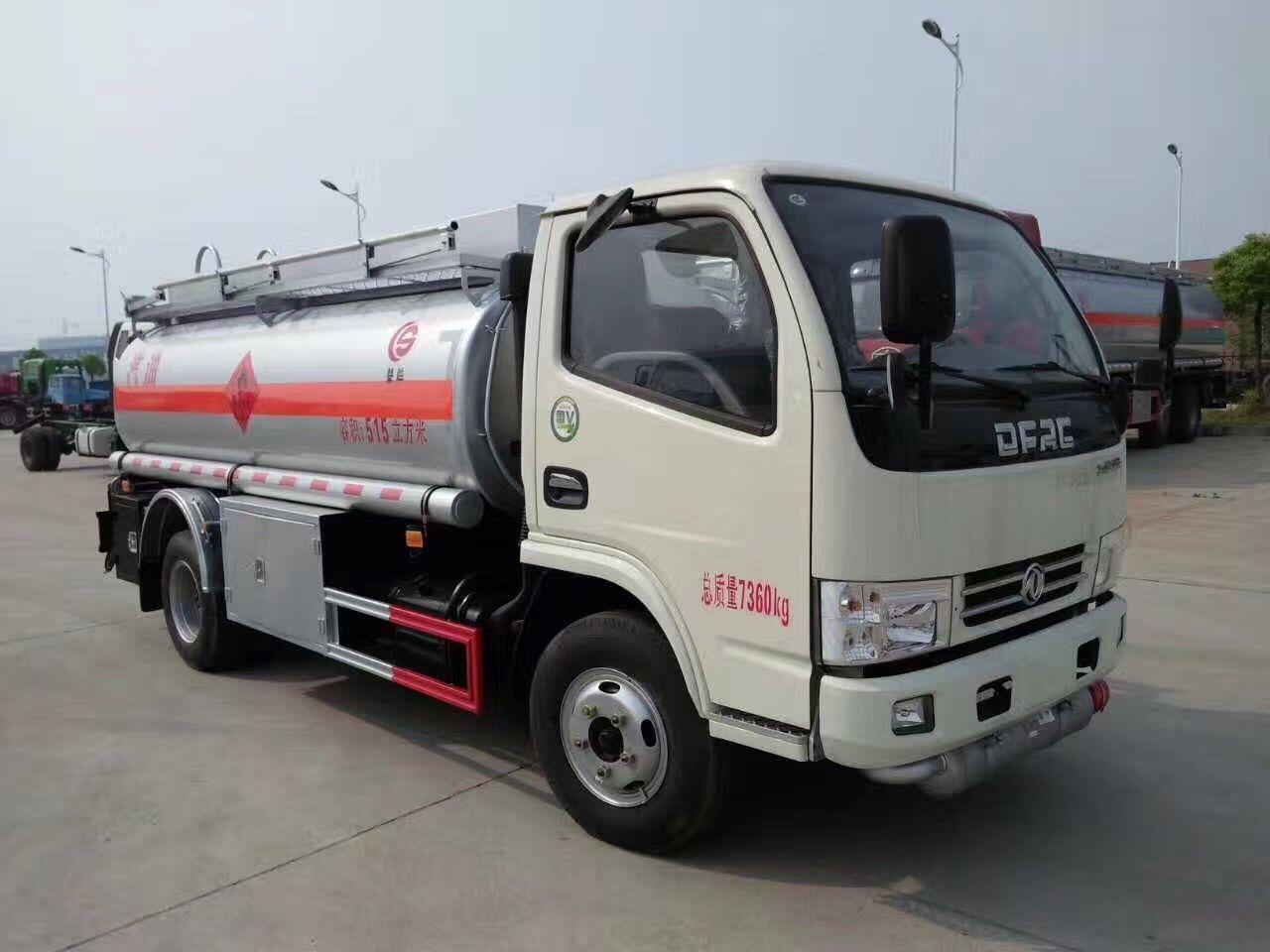 国五东风5吨小型加油车多方位图片三