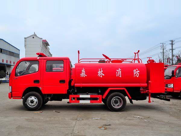 东风双排森林消防洒水车多方位图片二