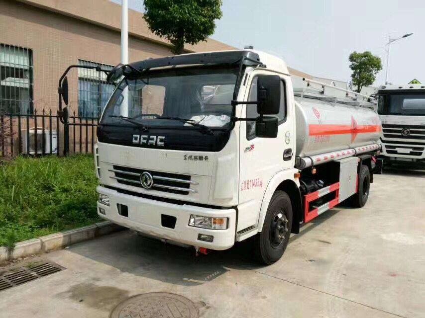 东风多利卡8-10吨加油车