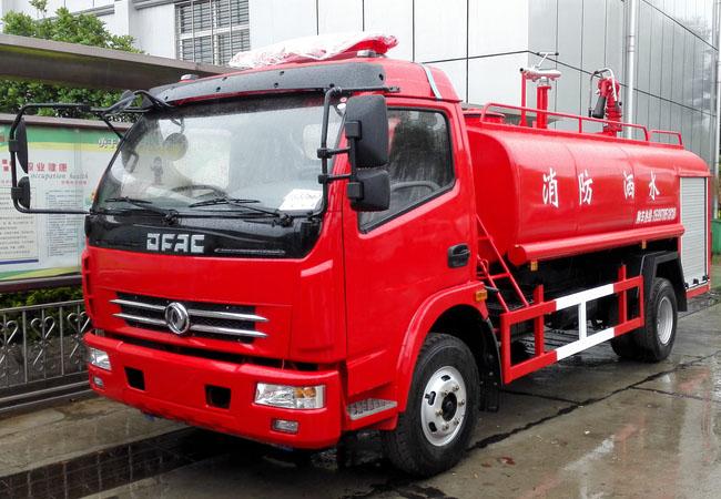 东风多里卡消防洒水车6吨
