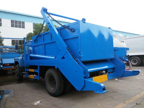 东风 145型摆臂式垃圾车多方位图片五
