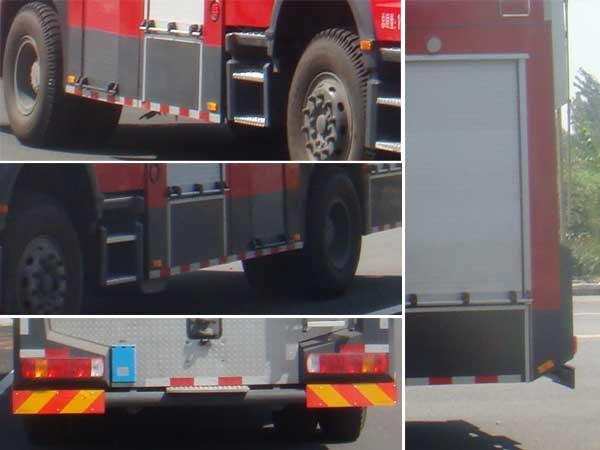 斯太尔单桥水罐消防车多方位图片三